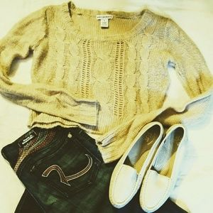 Body Central cable Knit Beige Cropped Sweater. M